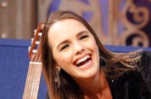 Thaeme se diverte ao comparar filha a ex de Brad Pitt: 'Boca da Angelina Jolie'