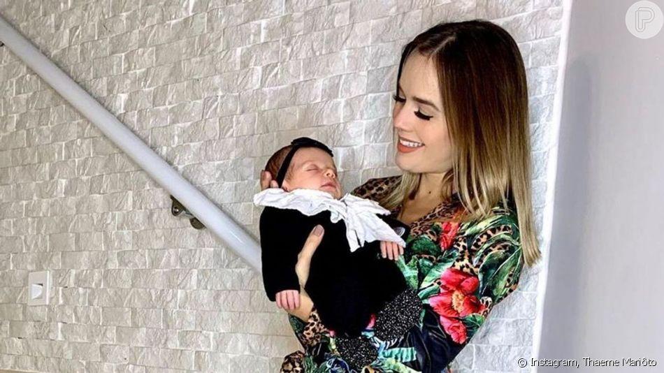 Thaeme Mariôto recorreu à sonda para ajudar na amamentação da filha, Liz: 'Não gosto de desperdiçar leite'