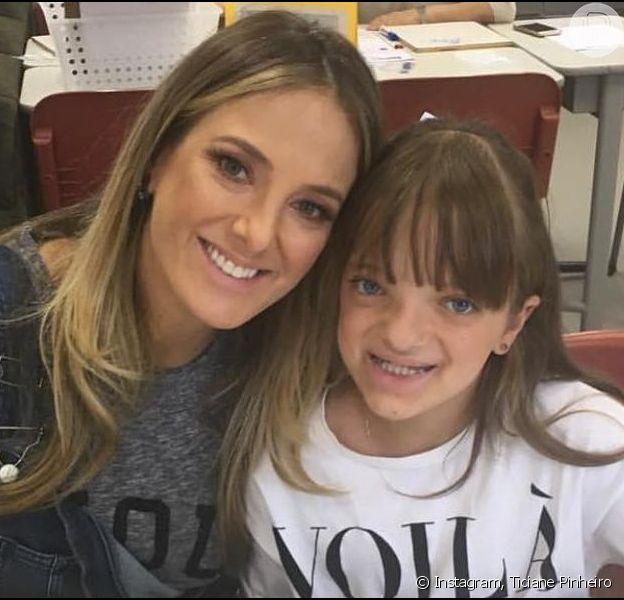 Rafaella Justus segurou a irmã recém-nascida no colo em vídeo publicado no Instagram