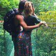 Mariana Goldfarb e Cauã Reymond estão curtindo férias na Costa Rica