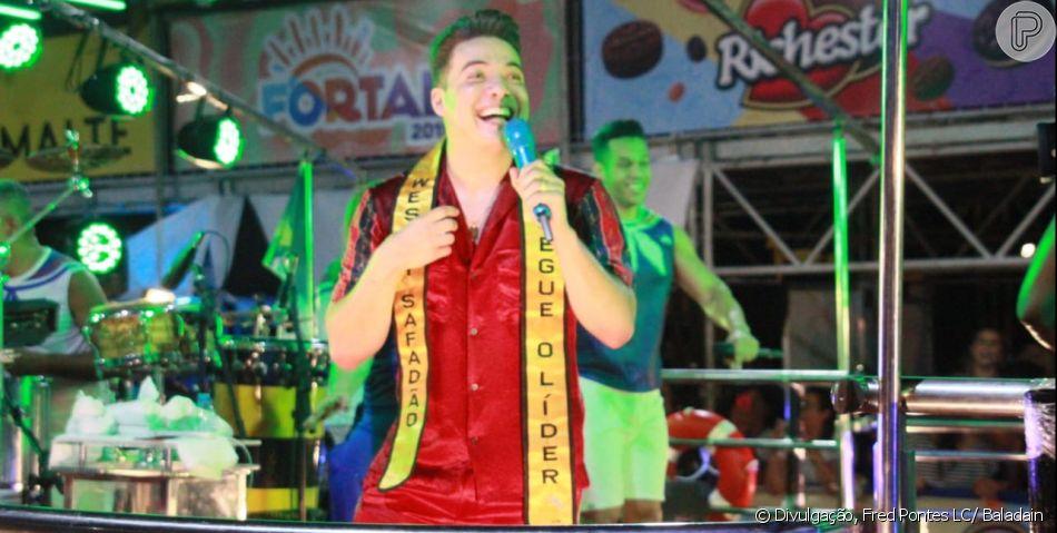 Wesley Safadão combina look com Thyane Dantas para encerrar último dia do Fortal, em Fortaleza, no Ceará