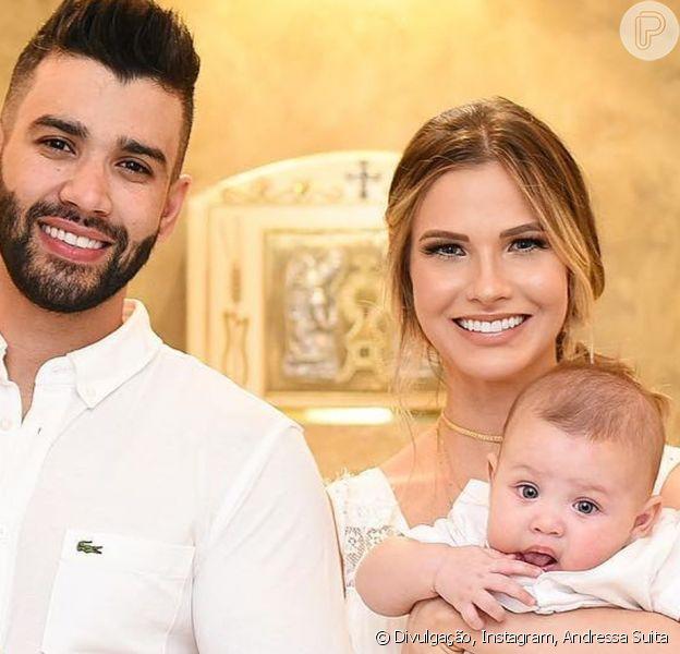 Andressa Suita fica apaixonada ao ver Gusttavo Lima brincando com o filho caçula, Samuel, nesta segunda-feira, dia 05 de julho de 2019