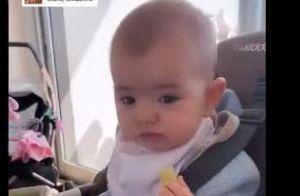 Sabrina Sato se encanta com a filha, Zoe, comendo sozinha: 'Está gostoso?'. Veja