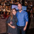Semelhança entre filho e marido de Camilla Camargo impressiona a web nesta terça-feira, dia 27 de agosto de 2019