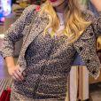 Giovanna Lancellotti usou uma jaqueta de animal print para evento de moda nesta quarta-feira, dia 28 de agosto de 2019