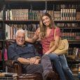 Paloma (Grazi Massafera) revela para Albeto (Antônio Fagundes) sonho de ser estilista na novela 'Bom Sucesso'