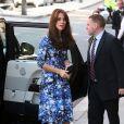 Kate Middleton aposta em vestilos coloridos para eventos