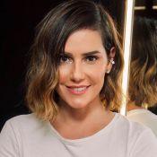Corte long bob e nova cor: Deborah Secco muda o cabelo para novela