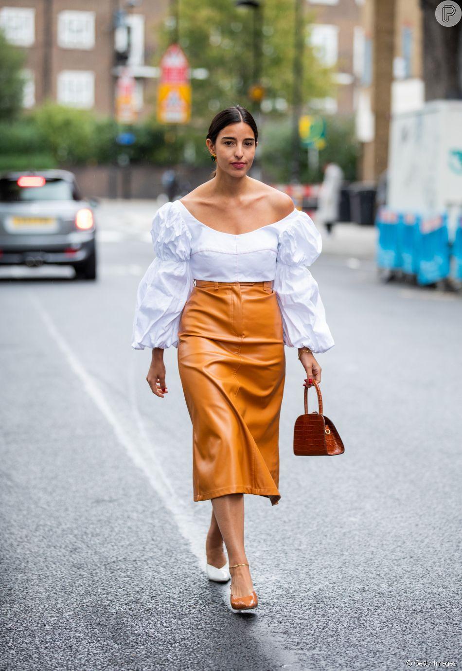As blusa com mangas bufantes são uma das principais tendÊncias de ...