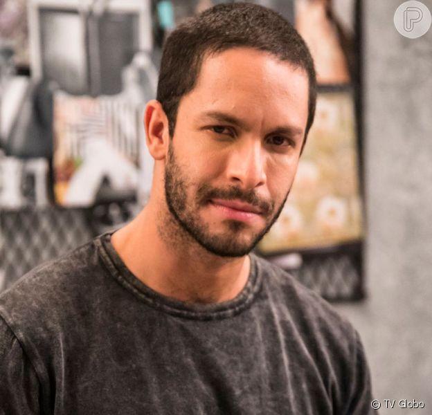 Téo (Rainer Cadete) descobre que Josiane (Agatha Moreira) matou Jardel (Duio Botta) na novela 'A Dona do Pedaço'