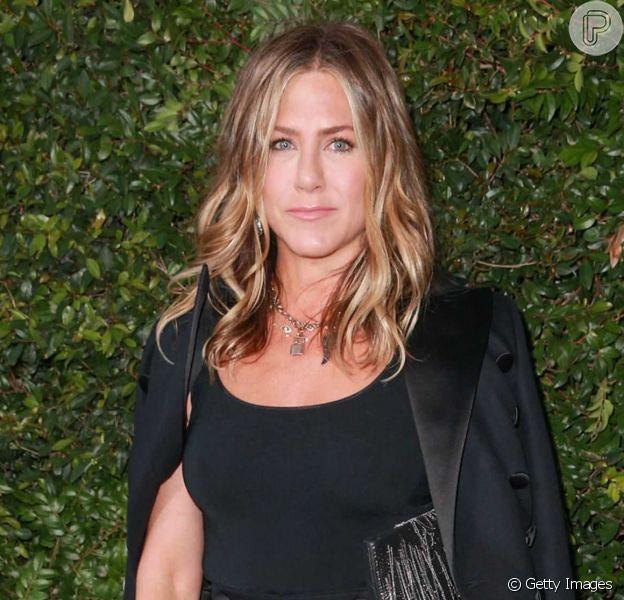Jennifer Aniston abre conta no Instagram e surpreende internautas