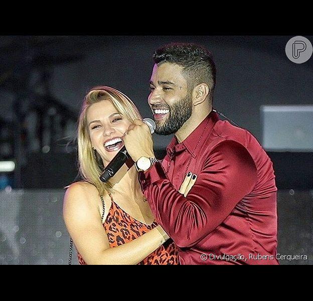 Andressa Suita canta com Gusttavo Lima em palco do Buteco, em Minas Gerais, em 20 de outubro de 2019