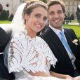 Casamento na realeza! Princesa Olympia usa bolero com vestido