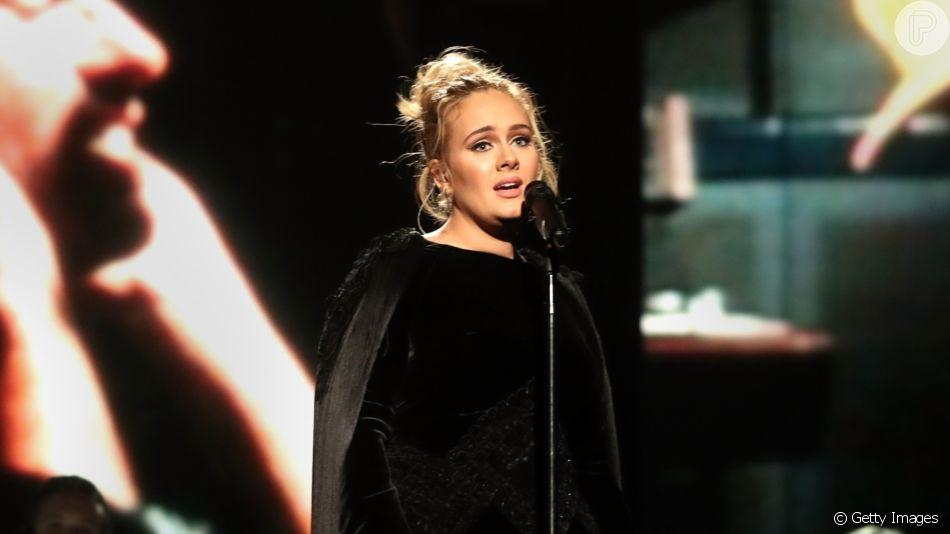 Adele reaparece na festa de Drake e nova silhueta chama atenção em fotos nesta quarta-feira, dia 23 de setembro de 2019
