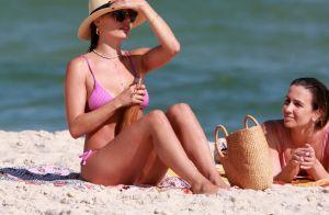 Isis Valverde usa acessórios estilosos em 2º dia consecutivo de praia. Fotos!