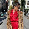 Anitta usou óculos escuros da grife Gucci, que custa cerca de R$ 7,7 mil