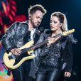 Sandy & Junior cantaram para um público de mais de 100 mil pessoas