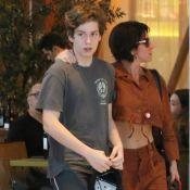 Giovanna Antonelli deixa barriga à mostra em passeio com o filho, Pietro. Fotos!