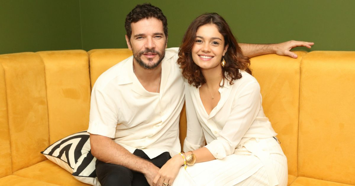 Filho de Sophie Charlotte e Daniel de Oliveira rouba a cena com pais em show. Fotos! - Purepeople.com.br