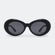 Presente de Natal: óculos de sol preto e retrô da Renner custa R$ 79,90