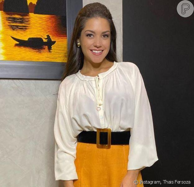 Thais Fersoza escolheu camisa tipo bata, calça de linho e rasteira metalizada para jantar com marido