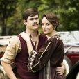 Adelaide (Joana de Verona) e Alfredo (Nicolas Prattes) enfrentam desafios para permanecerem juntos na novela 'Éramos Seis'