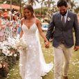 Vestido de noiva na gravidez: mulher de Sorocaba, Biah Rodrigues elege modelo com alças finas para casamento neste domingo, dia 15 de dezembro de 2019