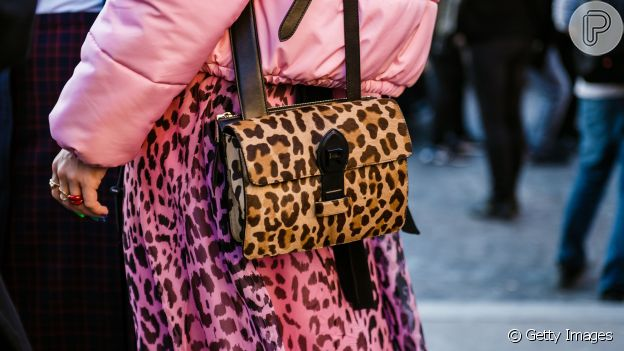 O animal print permite um mix de estilos fashion com outras cores e estampas