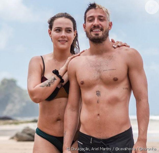 Carol Dantas, de biquíni, exibe foto com marido em Fernando de Noronha nesta terça-feira, dia 31 de dezembro de 2019