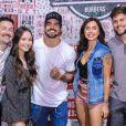 Caio Castro recebeu famosos ao inaugurar aThe Black Beef em São Paulo, em outubro de 2019