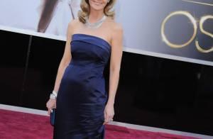 Oscar 2013: Helen Hunt usa vestido de loja popular, H&M, com joia de R$ 140 mil