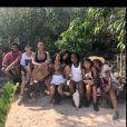 Camila Pitanga posa com amigos durante viagem à Chapada Diamantina com a namorada, Beatriz Coelho