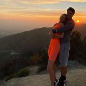 Fashion e fitness: Marina Ruy Barbosa usa look neon para trilha em LA. Fotos!