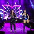 Simone e Simaria fizeram show cheio de energia no  Festival CarnaUol