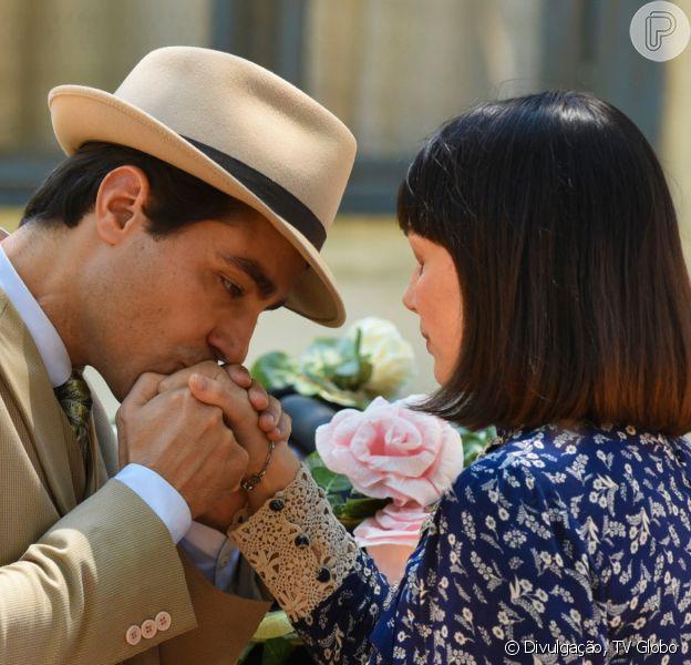 No fim da novela 'Éramos Seis' tem final feliz para Clotilde (Simone Spoladore) e Almeida (Ricardo Pereira): 'Eles vão ficar juntos, sim!'
