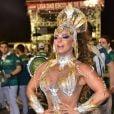 Viviane Araujo usou  fantasia chamada Divino Espírito Santo em ensaio de Carnaval