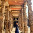 Grazi Massafera curtiu momentos de lazer durante viagem para a Índia.