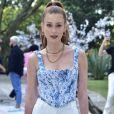 Marina Ruy Barbosa elege trendys em looks para ensaio da moda
