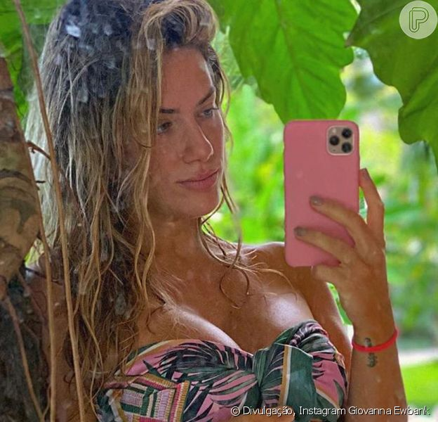Giovanna Ewbank foi clicada de biquíni por Bruno Gagliasso neste domingo, 15 de março de 2020