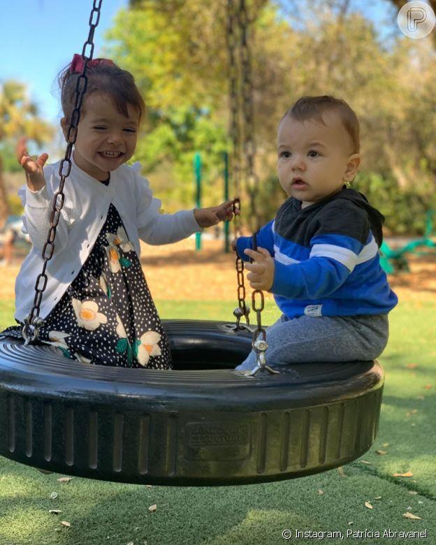 Patrícia Abravanel tira foto dos filhos e semelhança chama atenção