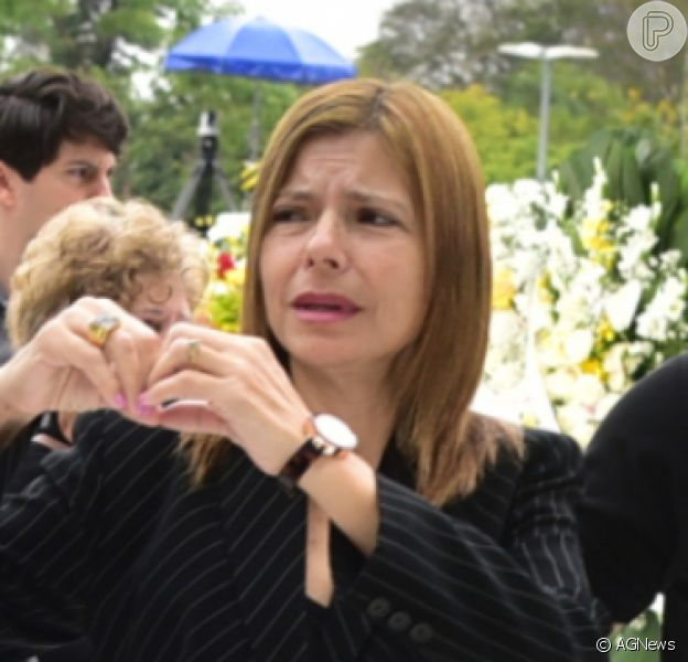 Viúva de Gugu Liberato, Rose Miriam se emocionou ao fazer uma homenagem ao apresentador, no dia em que ele completaria 61 anos, nesta sexta-feira, 10 de abril de 2020: 'Saudade que não cabe no peito'