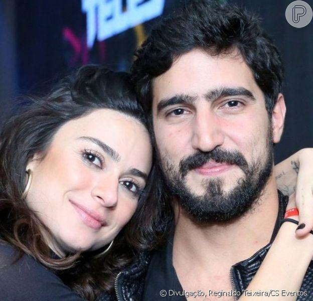 Thaila Ayala foi surpreendida pelo marido, Renato Góes, na véspera do aniversário, nesta segunda-feira, 13 de abril de 2020: 'Primeira festa a dois surpresa'