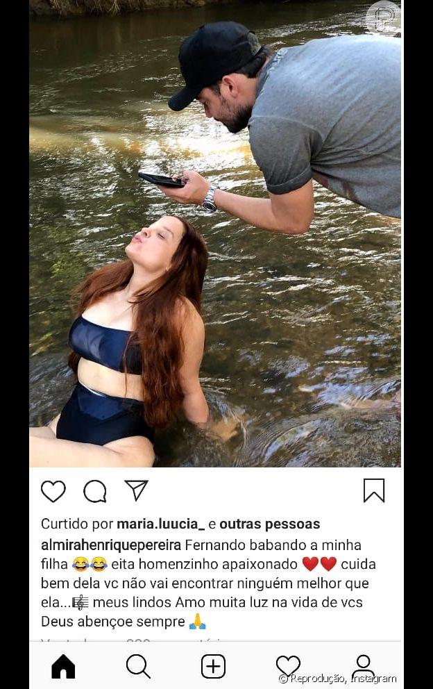 Foto de mãe de Maiara mostra a cantora sendo clicada pelo namorado, Fernando Zor
