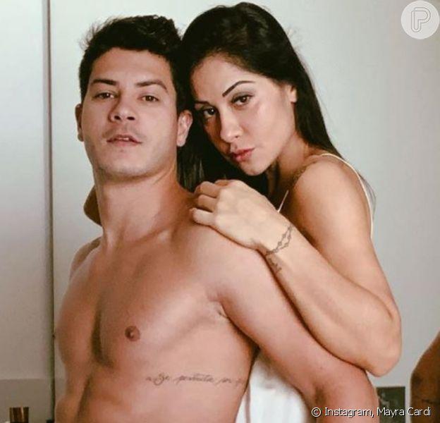 Mayra Cardi afasta briga em separação de Arthur Aguiar