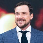 Sergio Guizé explica visual com barba em programa de TV: 'Para personagem novo'