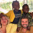 Bruno Gagliasso surpreendeu a mulher, Giovanna Ewbank, e divulgou vídeo no qual os filhos revelam o nome do irmão, Zyan