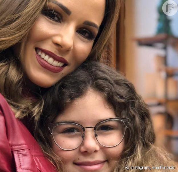 Ana Furtado revelou que a filha, Isabella, superou crise de ansiedade causada pelo isolamento sosicla: 'Mais equilibrada'
