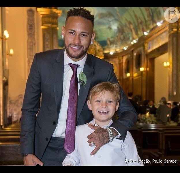 Neymar faz pegadinha com filho, Davi Lucca, em brincadeira nesta quarta-feira, dia 27 de maio de 2020