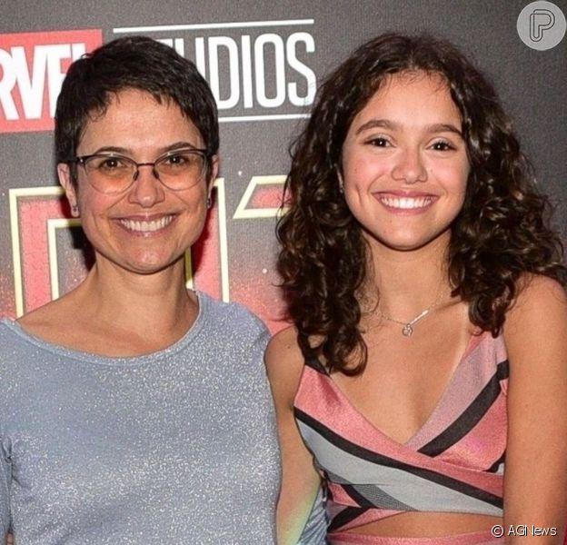 Filha de Sandra Annenberg fez vídeo cantando no aniversário da mãe