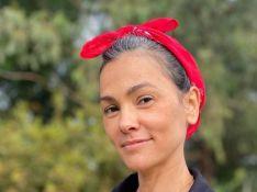 Suzana Alves cita mudanças após assumir cabelo branco: 'Mais madura e segura'
